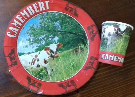 Assiette carton camembert