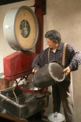 le-hameau-du-fromage-de-jean-perrin-a-cleron-25330-le-15-decembre-2013-18.jpg